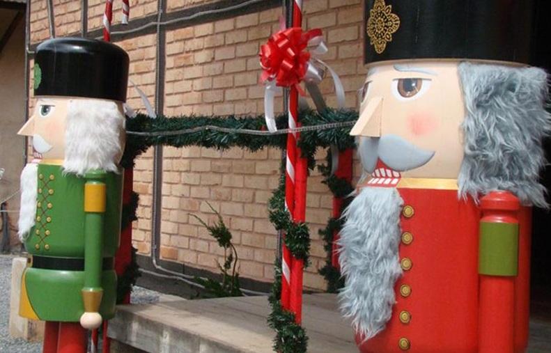 A Adventsmarkt, ou Feira do Advento, movimenta o mês de dezembro na cidade com decoração e tradições natalinas (Foto: Divulgação/Pomerode Online)