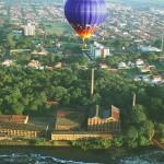 Do alto do balão, pode-se contemplar o Rio Piracicaba, o Engenho Central, a Rua do Porto, o centro da cidade, a vizinha Águas de São Pedro... E no final, tudo termina com um apetitoso café da manhã (Foto: Feodor Nenov)