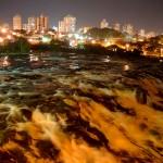 De manhã, à tarde, à noite... A visão do Salto do Rio Piracicaba é sempre hipnotizante. Melhor ainda é poder contemplar o local sentindo aquela brisa deliciosa no rosto (Foto: Davi Negri)
