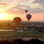 O passeio de balão é tranquilo como deve ser; já as sensações de paz e liberdade superam qualquer expectativa enquanto o céu é o limite (Foto: Divulgação/Experience Kissimmee)