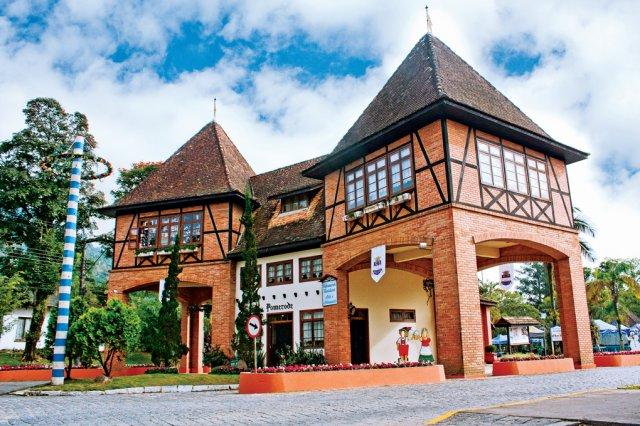 Portal Turístico Jorge Lacerda, mais conhecido como Portal Sul (Foto: Leo Laps/Divulgação Santur)