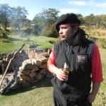 No detalhe, Luis, o chileno que se inspira nos ensinamentos dos pampas para aproveitar a vida de forma frugal (Foto: Eduardo Oliveira)