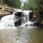 Relaxantes rios e cachoeiras fazem parte do espetáculo natural que a região apresenta o  ano todo, com direito a um clima típico serrano (Foto: Panoramio)