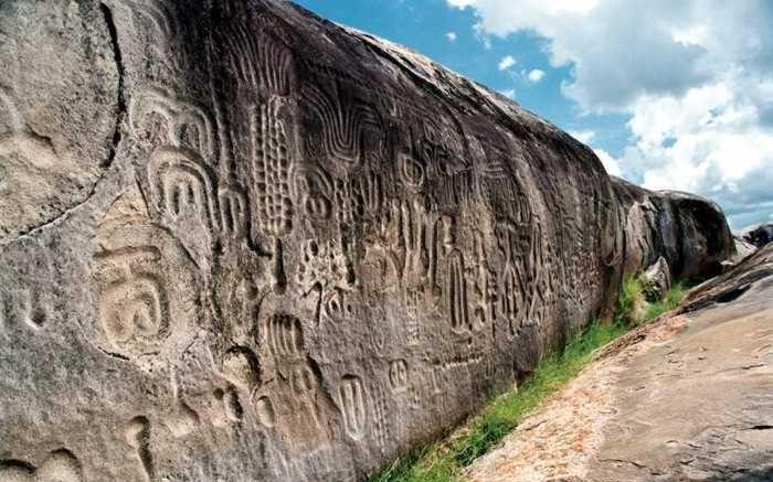 Conheça os enigmas e mistérios da Pedra do Ingá, na Paraíba