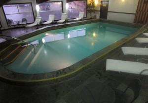 Piscina aquecida e sauna para relaxar (e esquentar) na fria Patagônia (Foto: Eduardo Oliveira)