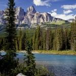 Encantos naturais: Lake Louise, Sulphur Mountain, Cascade Mountain, Bow River... As atrações no parque nacional são muitas entre rios, lagos, montanhas e paz, muita paz (Foto: Banff/Divulgação)
