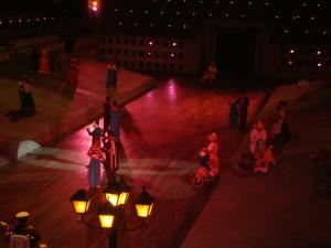À noite, no Xcaret, o espetáculo que conta a história do México é imperdível (Foto: Eduardo Oliveira)