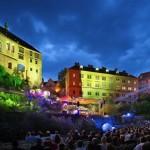 Festivais importantes de música clássica movimentam a economia da cidade, principalmente no alto verão europeu (Foto: CzechRepublic/Divulgação)