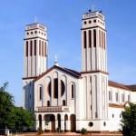 Construções históricas: a cidade preserva boa parte da arquitetura do seu passado, como a Catedral Diocesana Nossa Senhora do Seringueiro (Foto: Vicente A. Queiroz)