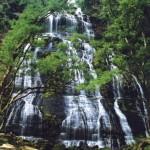 Salto Mlot e Cachoeira do Miguel: ficam bem em frente ao Salto São Sebastião. O salto tem 120 metros, enquanto que a cachoeira tem apenas cinco metros (Foto: Prefeitura de Prudentópolis)
