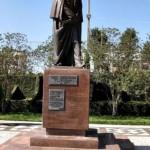 Há até uma praça na cidade chamada de Ucrânia, com uma estátua em bronze de três metros de altura em homenagem ao poeta Taras Chewtchénko (Foto: Prefeitura de Prudentópolis)