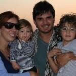 A blogueira Patrícia Papp com a família em Dubai, nos Emirados Árabes Unidos (Foto: Arquivo pessoal)