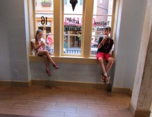 O sorvete do espaço dedicado à cultura francesa é altamente recomendável! O nome da sorveteria é L'Artisan des Glaces (Foto: Rose Massarutto)
