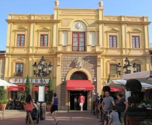 Pizzaria, loja de queijos e vinhos e muito mais! Não tem como não se encantar pela Itália, mesmo na Disney (Foto: Eduardo Oliveira)