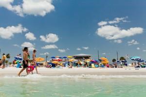A Treasure Island Beach (ou Praia da Ilha do Tesouro) é outra atração imperdível na região (Foto: Visit St. Pete/Clearwater)