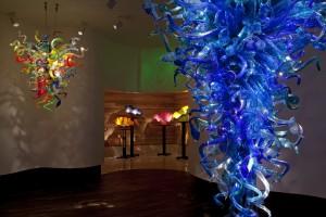 Outra opção interessante no roteiro de museus à beira-ma é o o Chihuly Collection, que apresenta obras feitas em vidro e cristal pelo artista britânico Dale Chihuly (Foto: Divulgação/Chihuly Collection)
